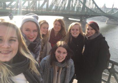 groepsfoto-idunn-liberty-bridge